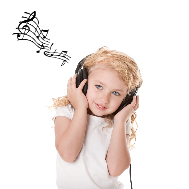 Girl-Listening-Music-song-headphones